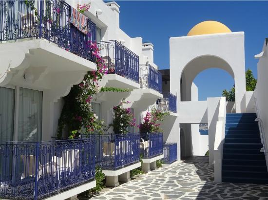 Salmakis Resort & Spa: chambres sur allée bruyante (215...)