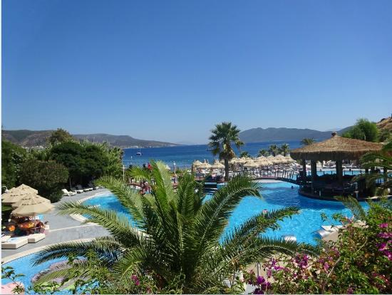 Salmakis Resort & Spa: la piscine vue depuis terrasse chambre