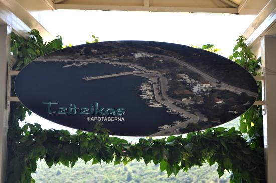 Tzitzikas: belle situation