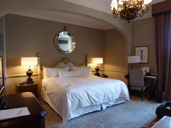 The Westin Excelsior Florence: room with a balcony facing the Arno River
