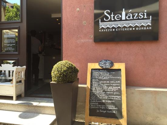 Stelázsi Café, Restaurant and Wine Bar: Stelazsi