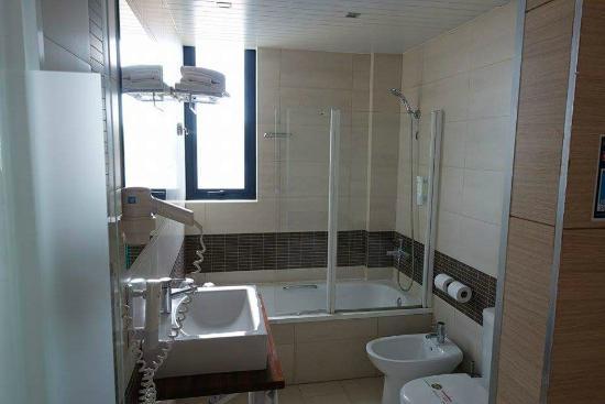 Ohtels Les Oliveres: Salle de bain