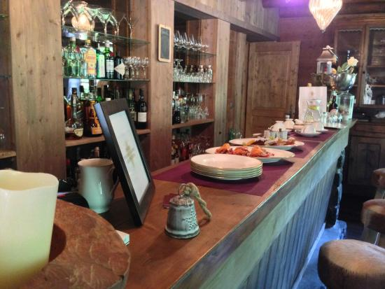 Le Grand Joux: The bar