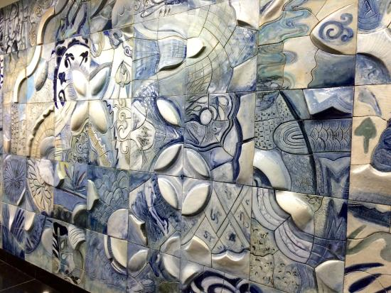 Singapore Mass Rapid Transit  (SMRT): Where the broken blue and whites go