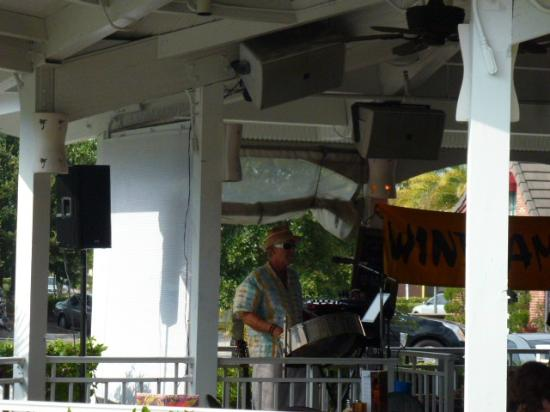 Bahama Breeze: He's Playing Our Song!