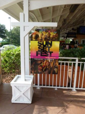 Bahama Breeze: Join The Fest!