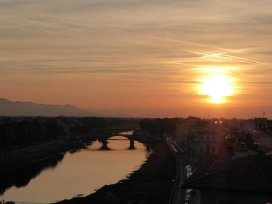 The Westin Excelsior Florence: The best sunset views from the roof top restaurant SE STO