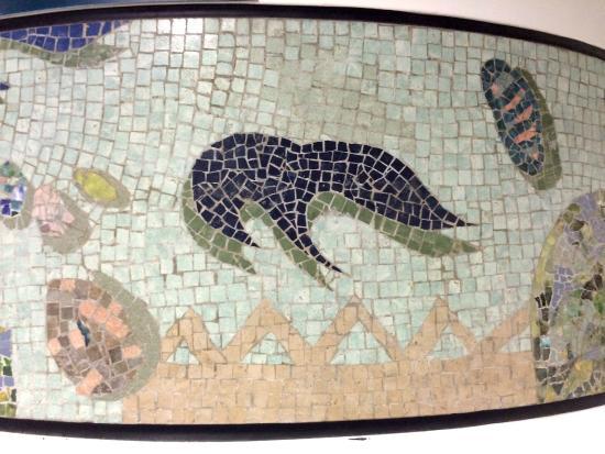 Singapore Mass Rapid Transit  (SMRT): Greek mosaic artwork resurfaces in a SIN SMRT pillar