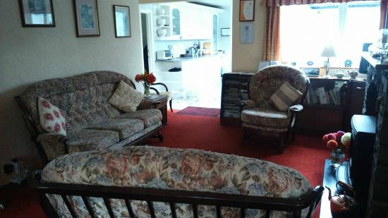 Orchard Cottage: Guest Lounge