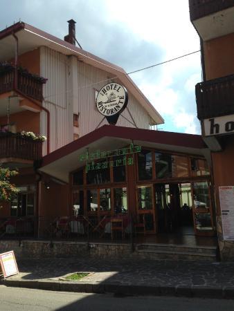 Hotel Lo Sciatore: ristorante (esterno)