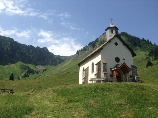Le Grand Joux: Chapel up the road