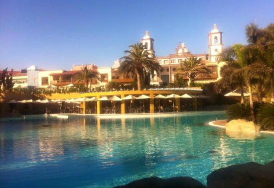 Lopesan Villa del Conde Resort & Corallium Thalasso: Main pool