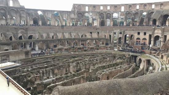 Colosseum: Panoramica de adentro