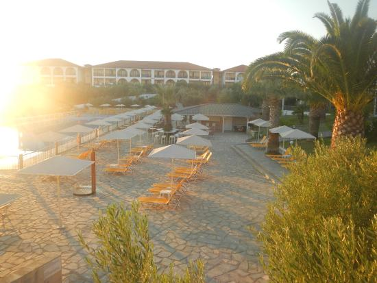 Akrathos Beach Hotel: бассейн