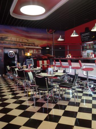 Bbq Smokehouse: Inside