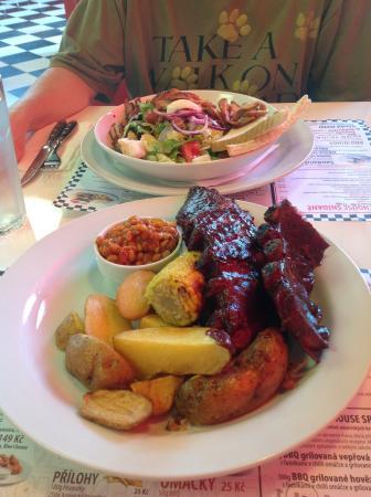 Bbq Smokehouse: The Food!