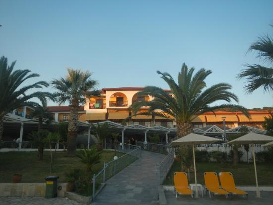 Akrathos Beach Hotel: отель