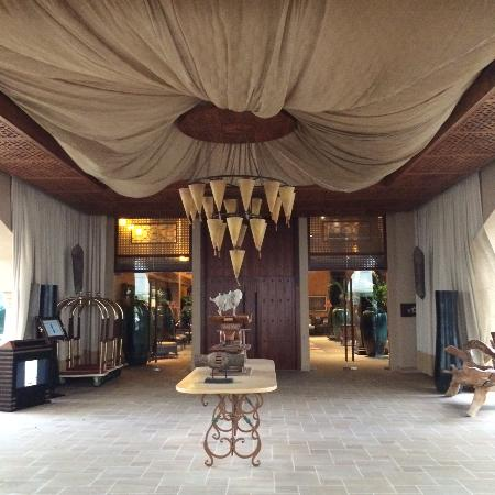 Anantara Desert Islands Resort & Spa: entrance