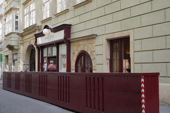 Oswald & Kalb: หน้าร้าน