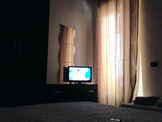 Bed and Breakfast Nonna Maria: Camera nella quale ho soggiornato annessa a questa camera un terrazzo molto grande con gazebo e