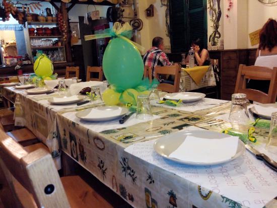 La Cantina dell'Arrosticino: Tavolata !!