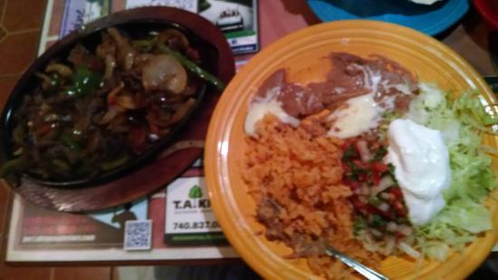 Los Mariachis: Beef Fajitas