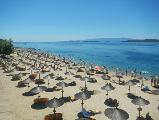Akrathos Beach Hotel: пляж