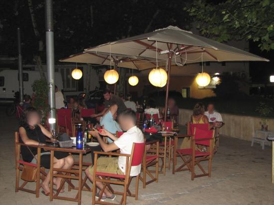 Rojo Pomodoro: terrazza by night