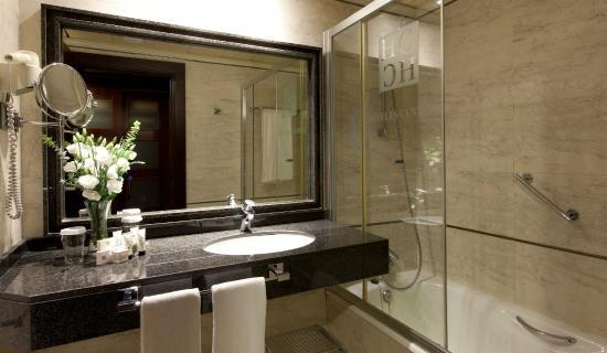 Sevilla Center Hotel: Standard (Baño)