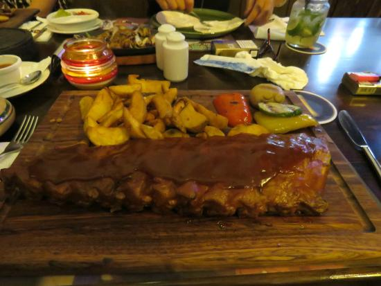 Daltons Mexican: Huge portion of barbecue ribs