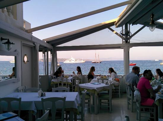 Patralis Psarotaverna: Patralis seafood restaurant!