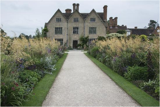 Packwood House: The House from the Garden