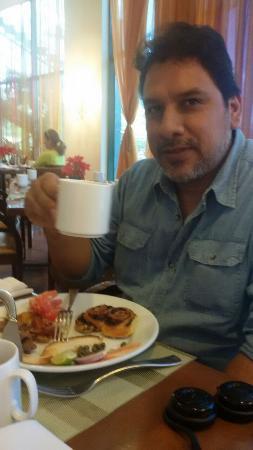 Tegucigalpa Marriott Hotel: Aqui tomando el desayuno!!!