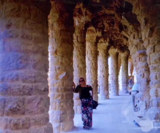 Guell Park: A beleza das colunas de pedra