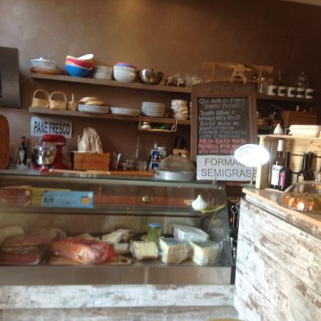 Retro Bar: Interior