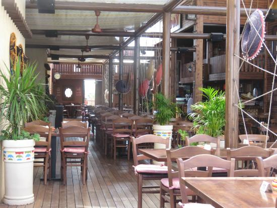Daltons Mexican: View inside the restaurant during the day time
