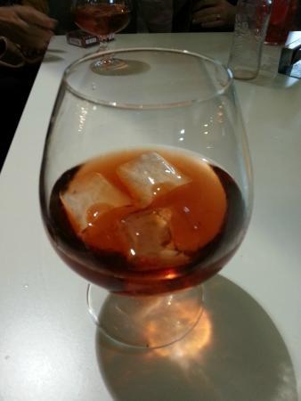 Cafe Iruna: Pacharán Etxeko con hielo