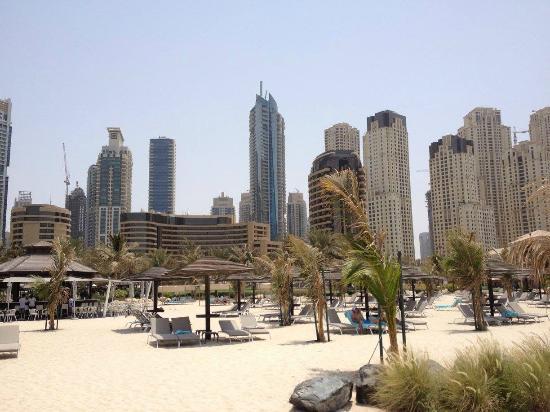 Le Royal Meridien Beach Resort & Spa: Beach entrance into the hotel
