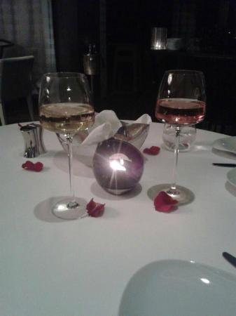 Le Royal Meridien Beach Resort & Spa: Engagement dinner at the Le Royal Maridien