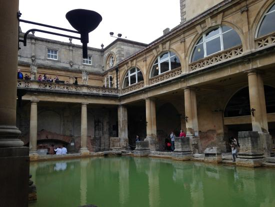 Museum for romerske bad: Roman Baths with Victorian addition