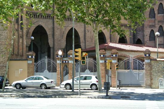 Plaza de Toros Monumental de Barcelona: 門が閉まっていました