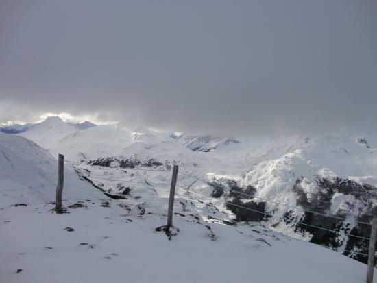 """Cerro Castor (Castor Mount): Vista desde la pista """"La Brecha"""""""