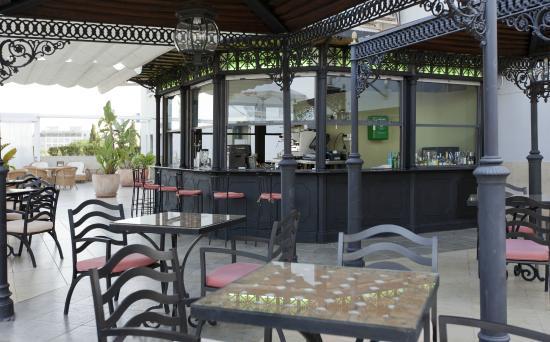 Sevilla Center Hotel: Terraza Día
