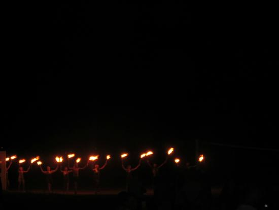 Venosa Beach Resort & Spa: Mario and his team leading the fire show
