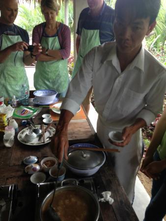Thuan Tinh Island - Cooking Tour: Demo