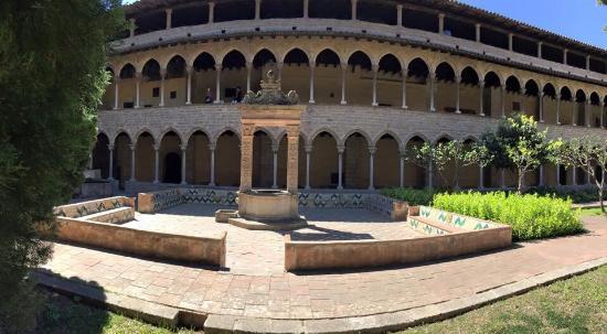Reial Monestir de Santa Maria de Pedralbes: photo0.jpg