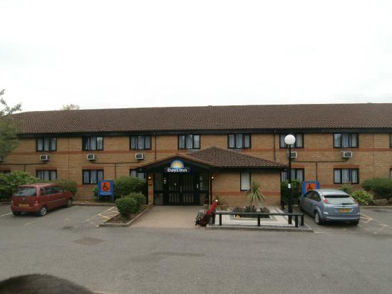 Days Inn London Stansted Airport: Ingresso