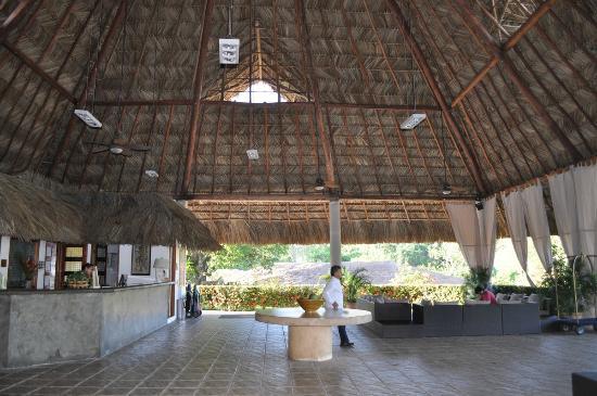 Hotel Villa Mercedes Palenque: Рецепшен