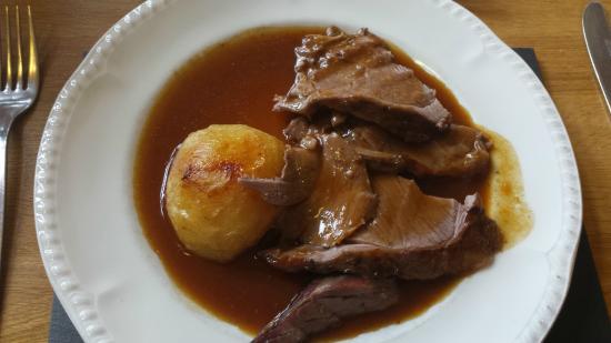 Caffi'r Ceunant: The Lamb Lunch