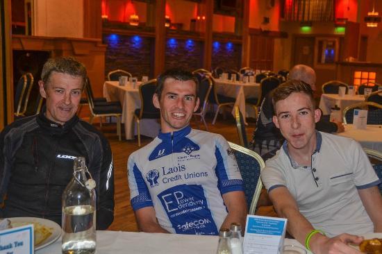 O'Loughlin's Hotel: Cyclists appreciating fine food at O'Loughlins